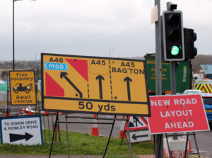 Road signs at London Road / Tollbar Island
